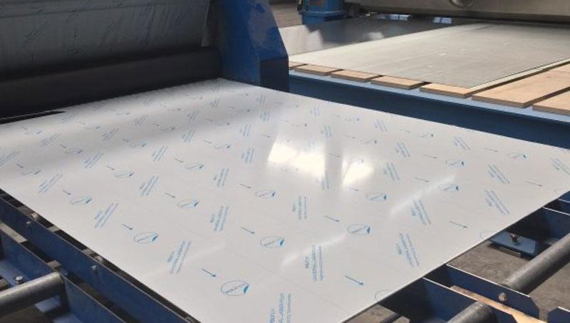 Ook verzorgen wij het folien van platen ter bescherming van het eindproduct.
